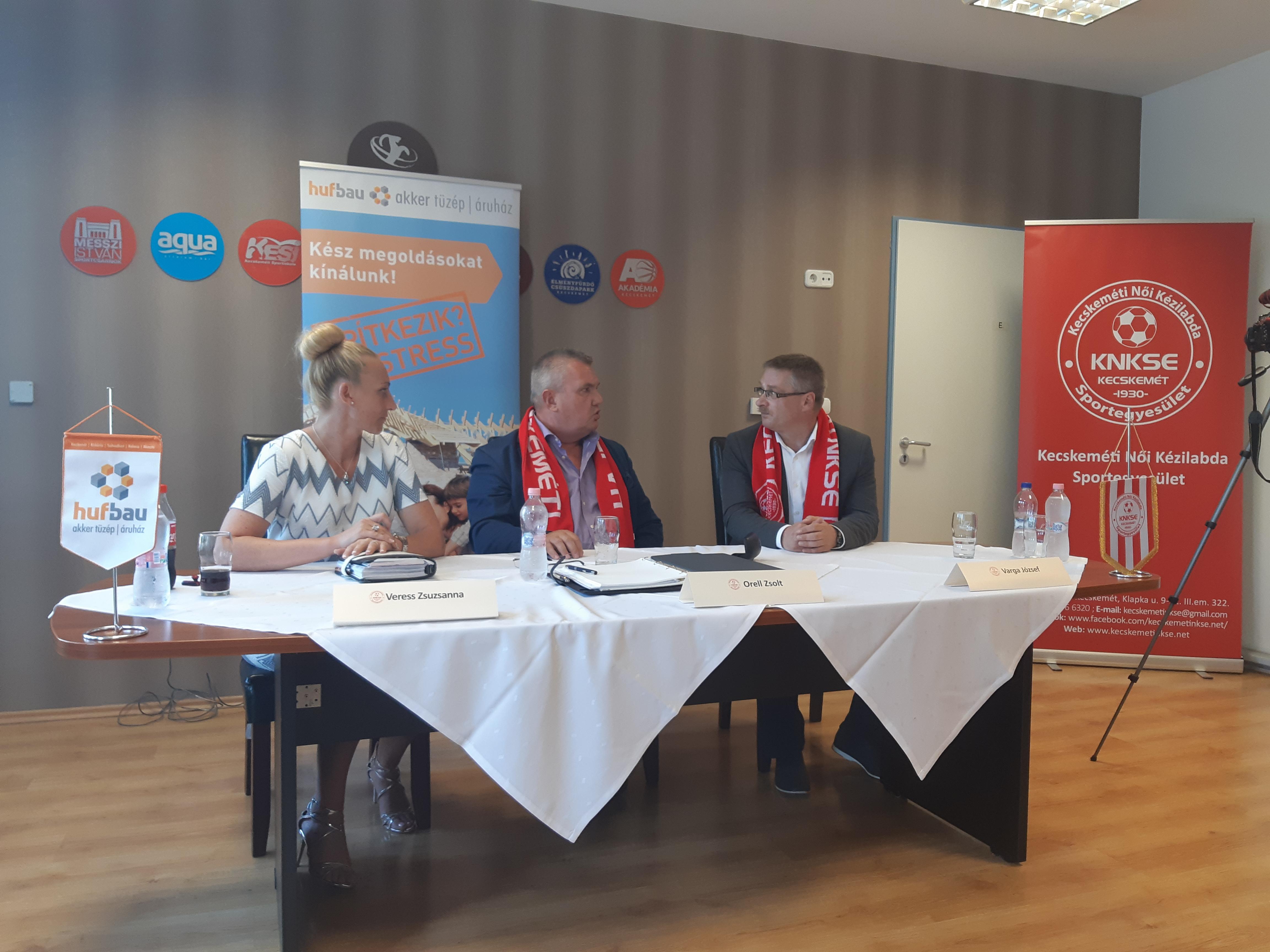 Varga József a Hufbau – Akker KNKSE felnőtt csapatának új vezetőedzője