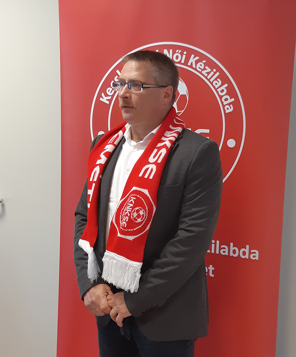 Interjú Varga Józseffel, a Hufbau – Akker KNKSE felnőtt csapatának új vezetőedzőjével